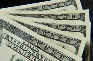 us-dollars-560x373