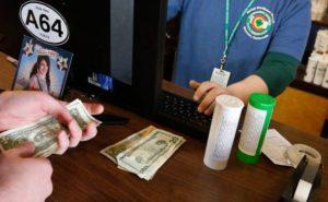 cash-banking-colorado-marijuana-industry-560x347