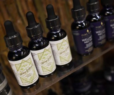 CBD_oil_supplement_rj_14294-560x374
