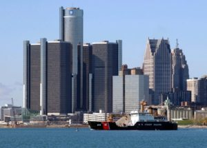 Detroit_GM_headquarters-556x400