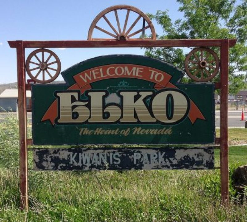 Elko_Welcome_Sign-444x400
