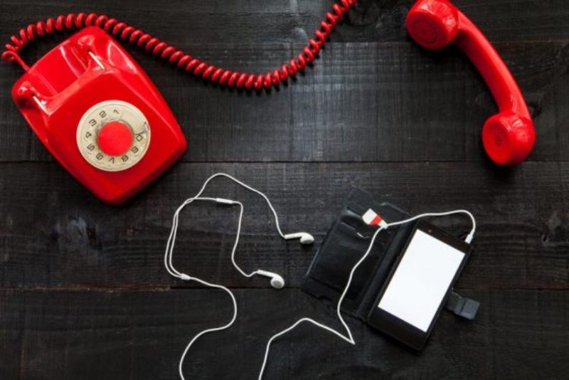 hotline-phone-560x374