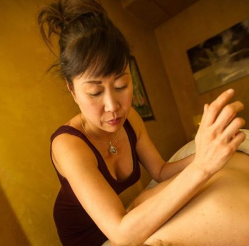 massage-405x400