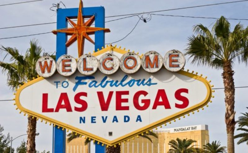 nevada-tourism-las-vegas-sign-560x347