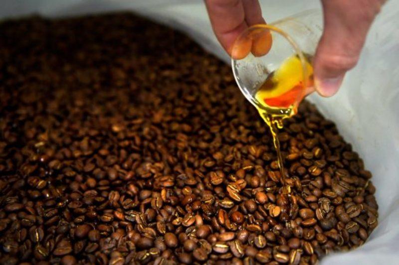 Strava-Coffee-04-24-2018-JA-_JA19127a-560x373