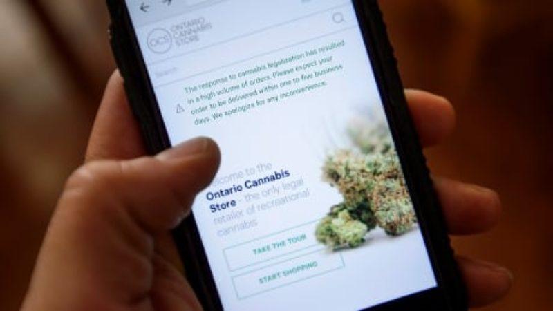 cannabis-legal-20181018-2