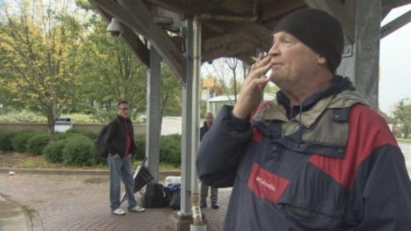 smoker-iain-doig
