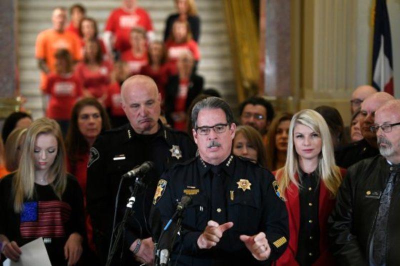 Red-Flag-Bill-Colorado-Legislature-_2HR90951-560x373-1
